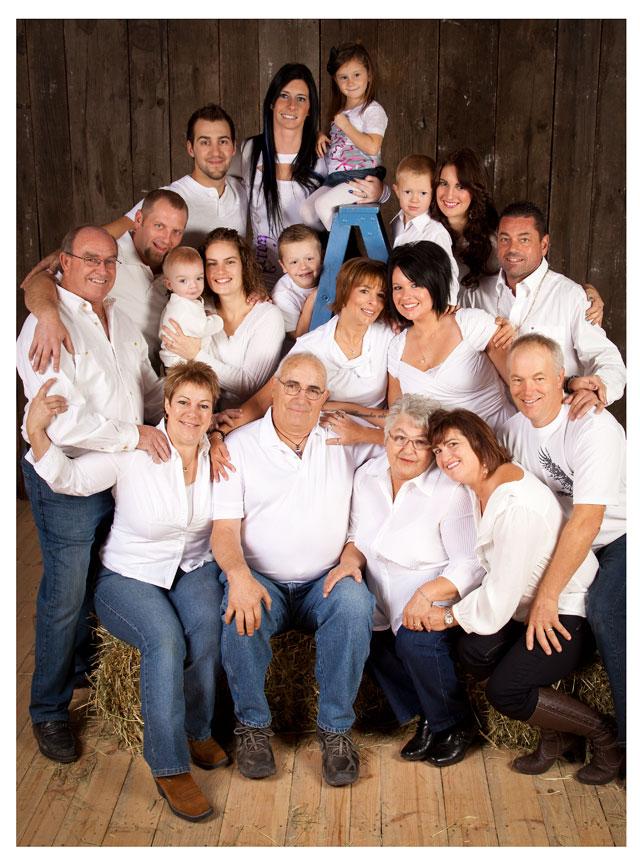 familyphoto_barnyardstudio
