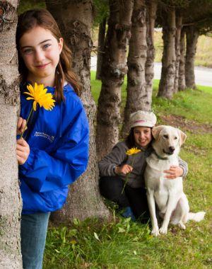 girls_flowers.jpg